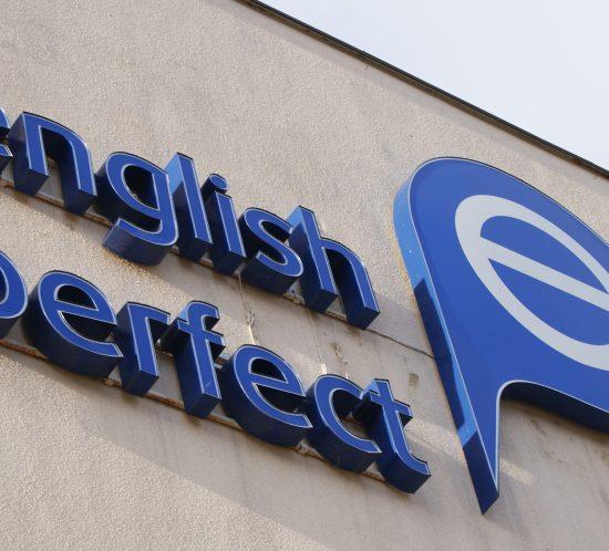 ENGLISH PERFECT REKLAMA ZEWNĘTRZNA